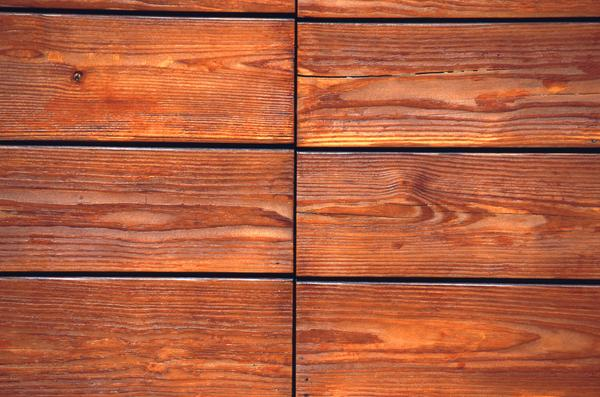 How to Choose the Right Stain for Your Deck - Expert Tips Inside